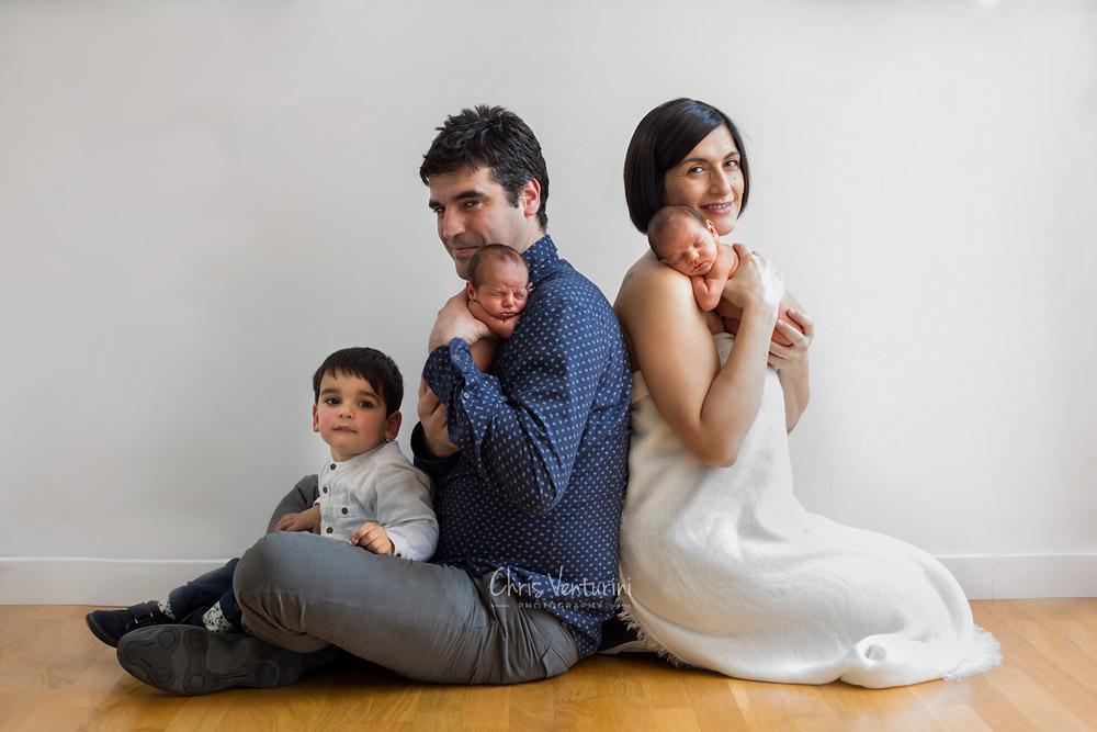Sesión newborn con familia