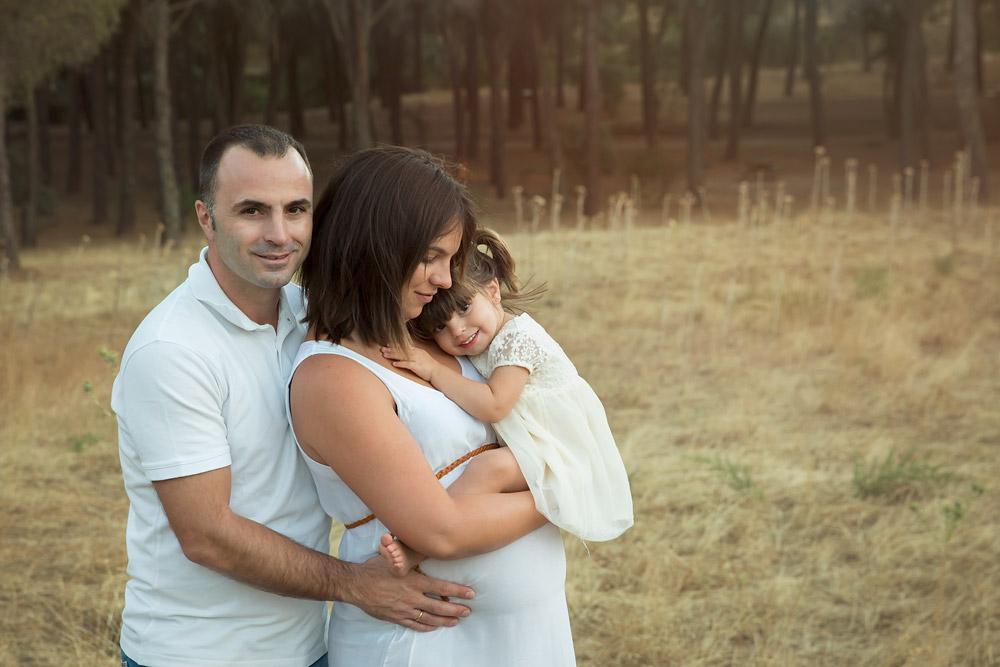 Fotógrafo profesional de premamá en exteriores Chris Venturini